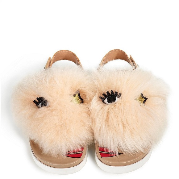 54a0e2c7909 Ugg punki fur sandals girls 5 or women's 7 nwt NWT